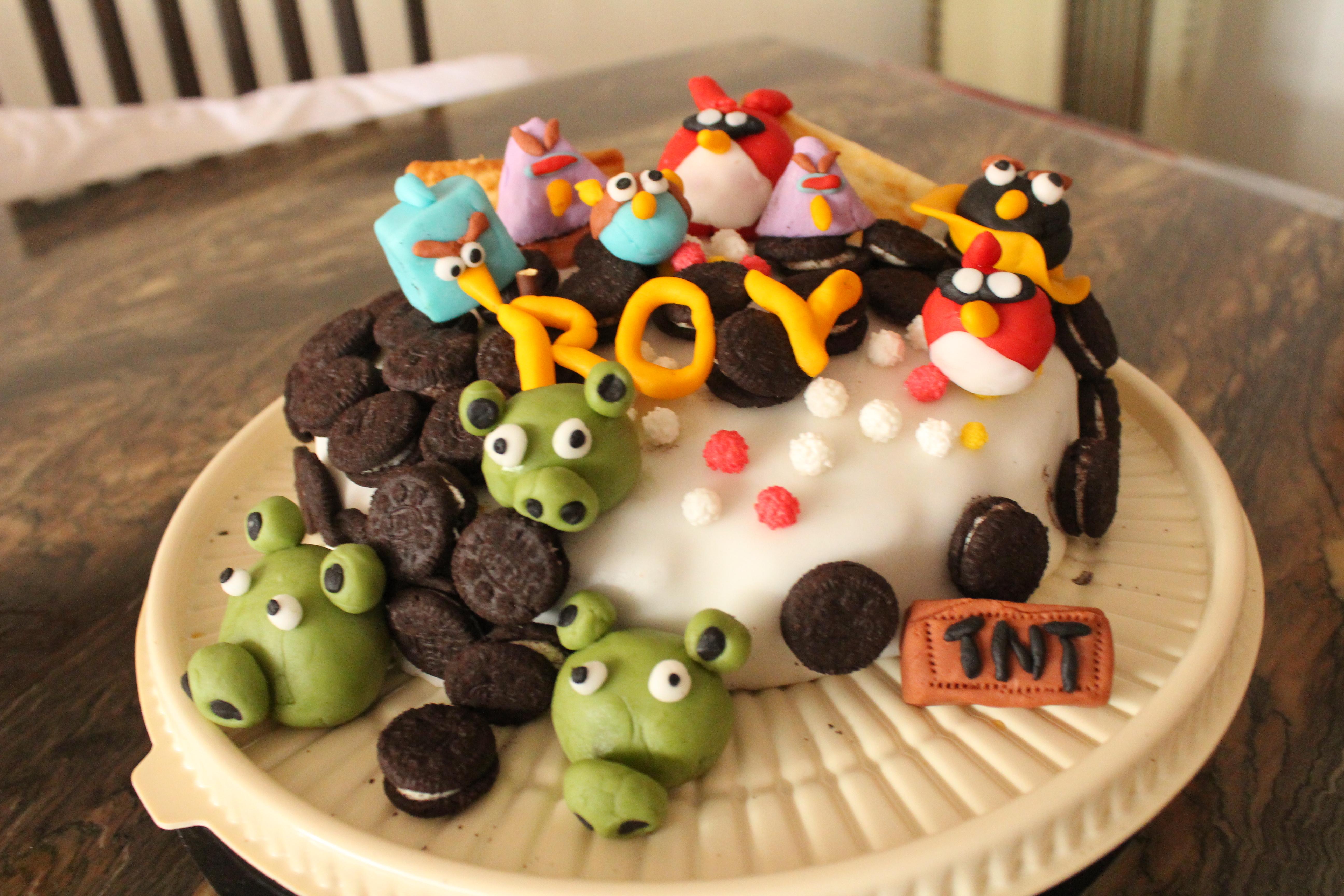 Surprising Doggie Boys 6Th Birthday Cake Bakerymama Personalised Birthday Cards Veneteletsinfo